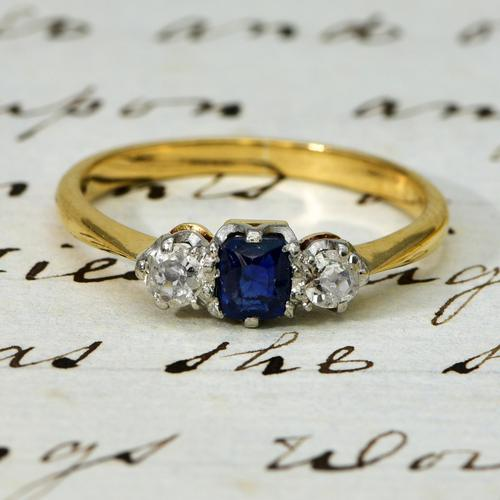 The Vintage Sapphire & Two Diamond Ring (1 of 4)