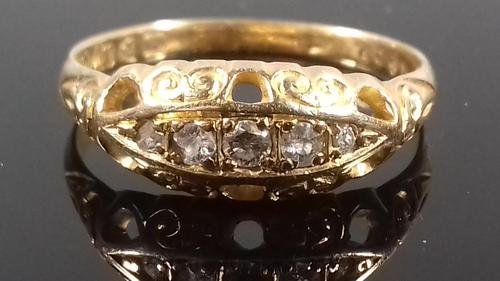 Antique Edwardian 18ct gold 5 stone diamond gypsy boat ring 1910 (1 of 6)