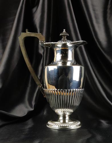Edwardian Silver Coffee Pot Made by Elkington & Co (1 of 8)