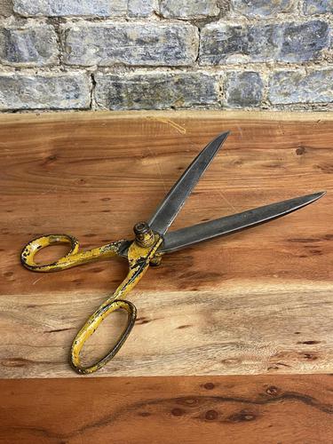 1950s Large Scissors (1 of 4)
