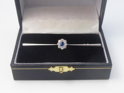 Art Deco, 15ct Gold Diamond & Sapphire Brooch (1 of 7)