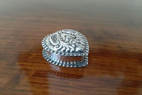 Edwardian Antique Silver Heart Shaped Trinket Box (1 of 5)