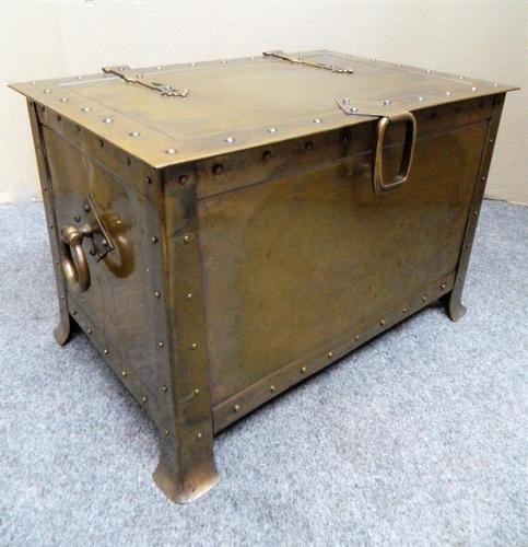 Arts & Crafts Brass Coal Bin / Log Bin (1 of 6)