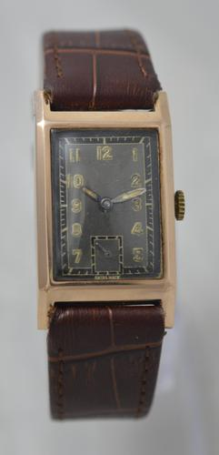 1943 9K Gold 'Tank' Wristwatch (1 of 5)
