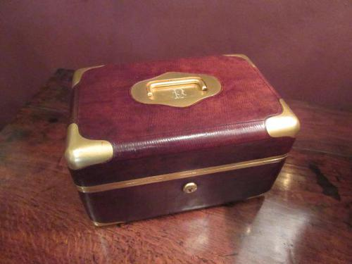 Antique Paris Made Leather & Gilt Bound Jewellery Case (1 of 9)