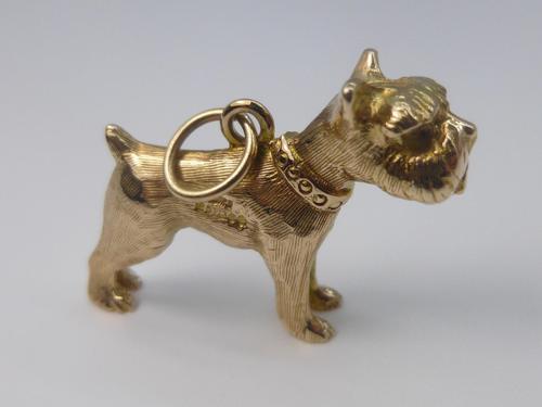 9ct Gold Dog Pendant (1 of 5)