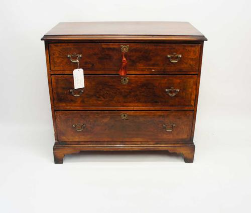 Small Georgian Burr Walnut / Mahogany Gentleman's Chest of Drawers (1 of 25)