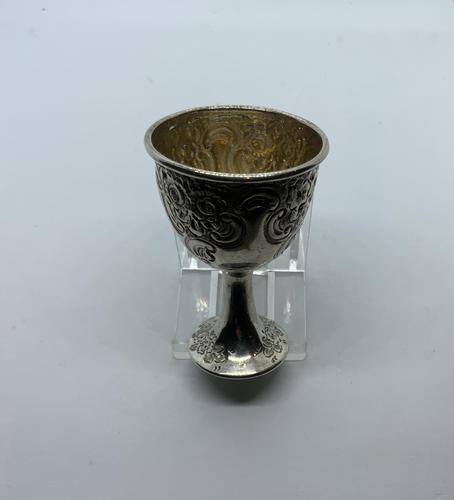 Silver egg cup Sheffield (1 of 5)