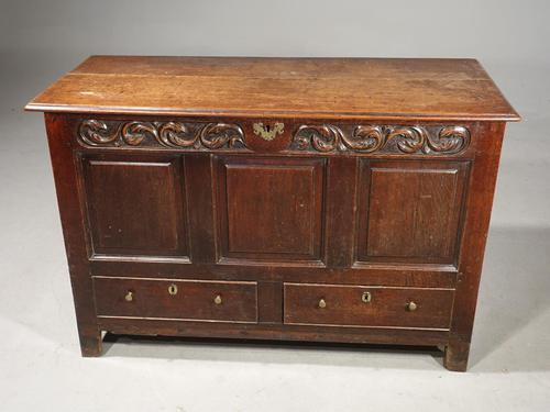 Attractive Mid 18th Century Oak Mule Chest (1 of 4)