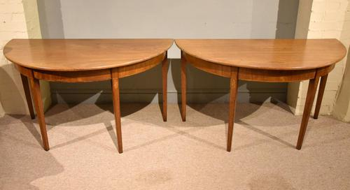 18th Century Pair of Mahogany Console Tables (1 of 8)