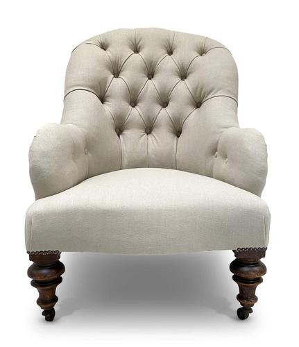 Buttoned Armchair (1 of 5)