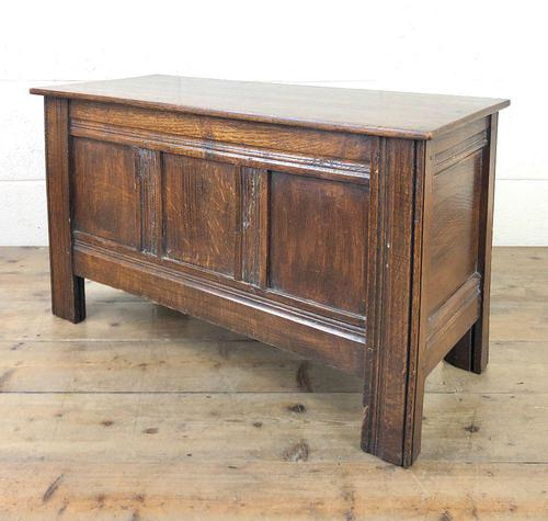 Small Antique Oak Panelled Coffer (1 of 10)