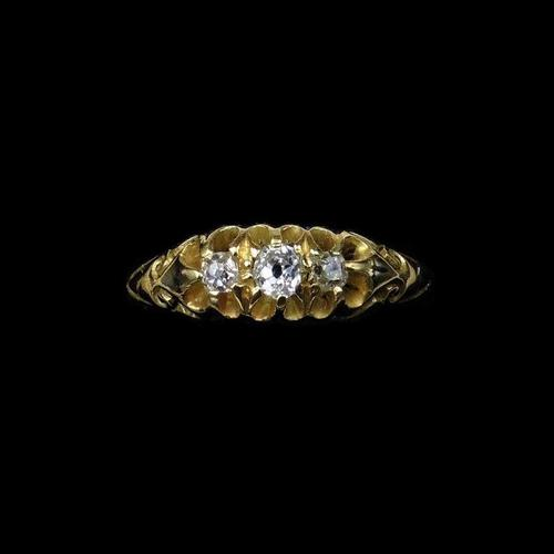 Antique Victorian Old Cut Diamond Three Stone Trilogy 18ct Gold Scroll Ring (1 of 10)