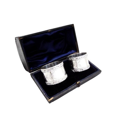 Pair of Antique Edwardian Sterling Silver Napkin Rings in Case 1903/1904 (1 of 10)