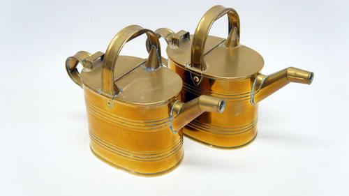 Pair of Victorian Brass Hot Water / Watering Cans 4 Pint (1 of 9)