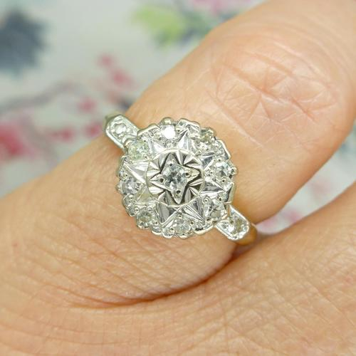 Vintage 18ct Platinum diamond cluster ring c.1960s (1 of 11)