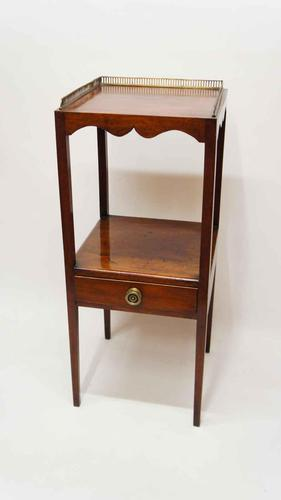 Georgian Mahogany, 2 Tier Washstand, Bedside Table or Plant Stand (1 of 9)
