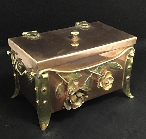 Arts and Crafts Copper and Brass Trinket Box (1 of 7)