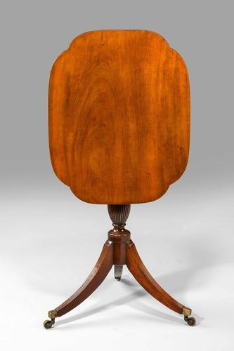 Fine Late 18th Century Tilt Top Table (1 of 4)
