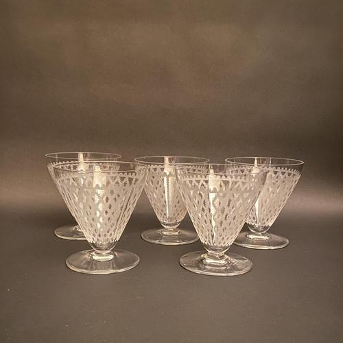 Five Art Deco Baccarat Etched Fine Crystal Glasses (1 of 3)