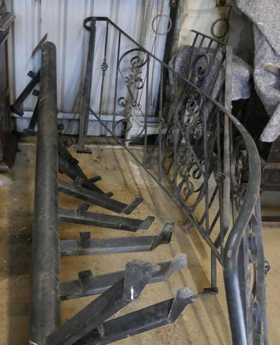 Unused Space Saver Iron Spiral Staircase with Hand Rails (1 of 12)