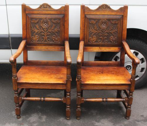 1900's Pair of Oak Carver Armchairs with Tudor Rose Motif in the Panel (1 of 3)