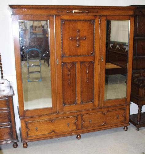 1920's Large Oak Mirrored 3 Door Wardrobe with Slides (1 of 6)