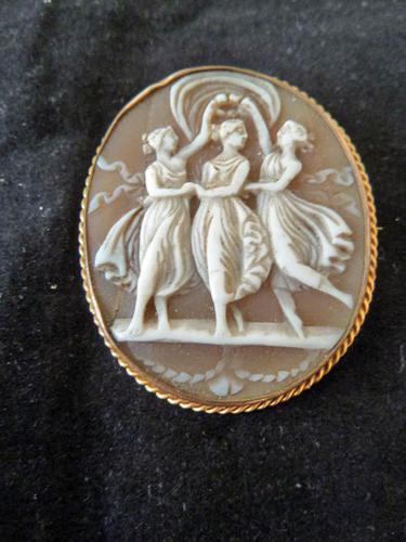 """Fine Quality Antique Victorian """"3 Graces"""" Shell Cameo Mounted in Yellow Metal. (1 of 4)"""