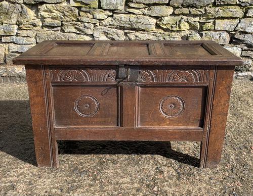 Small 17th Century Devon Oak Coffer (1 of 21)
