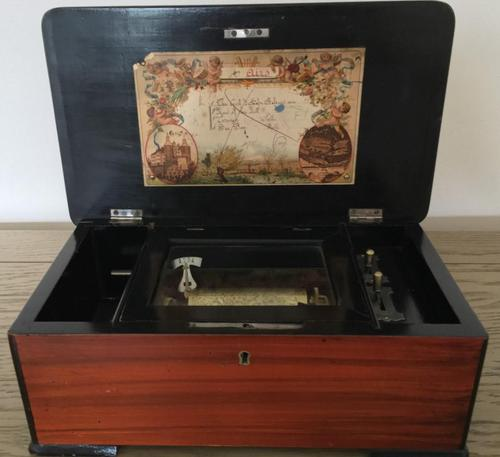 Swiss Small Music Box in Excellent Condition c.1885 (1 of 11)