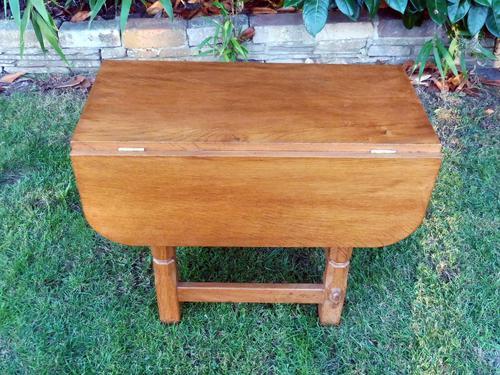 X Mouseman Beaverman Oak Drop Flap Coffee Table (1 of 12)