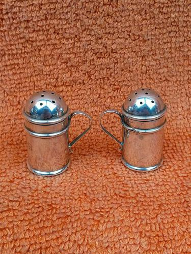 Antique Sterling Silver Hallmarked Miniature Pepper Shakers, 1905 Chester Cornelius Desormeaux Saunders & James Francis Hollings (frank) Shepherd (1 of 12)