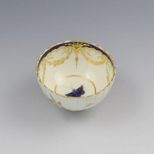 Caughley Porcelain Fluted Tea Bowl Dresden Flowers & Butterfly c.1785 (1 of 8)