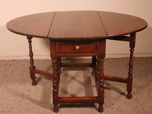 Gateleg Table in Oak -18th Century (1 of 11)