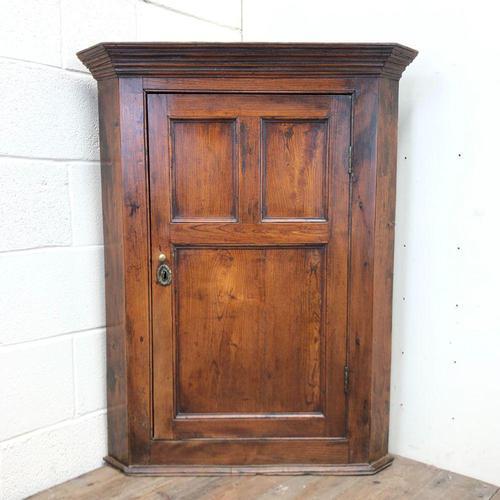 Early 19th Century Welsh Oak Panelled Corner Cupboard (1 of 7)