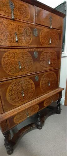 William & Mary Period Oyster Kingwood, Rosewood Marquetry Chest (1 of 8)