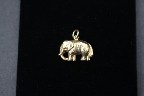 9ct Gold Elephant Charm (1 of 2)