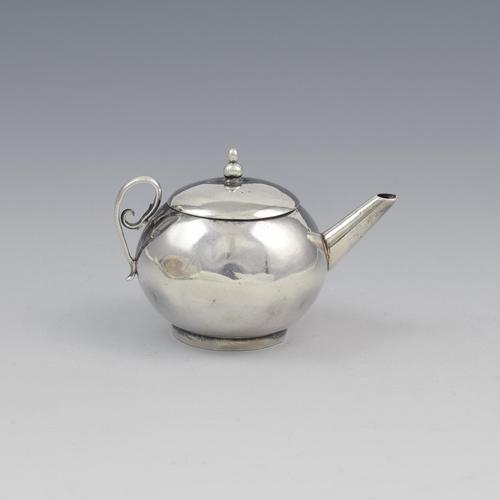 Rare George I Miniature Silver Toy Teapot David Clayton c.1725 (1 of 14)