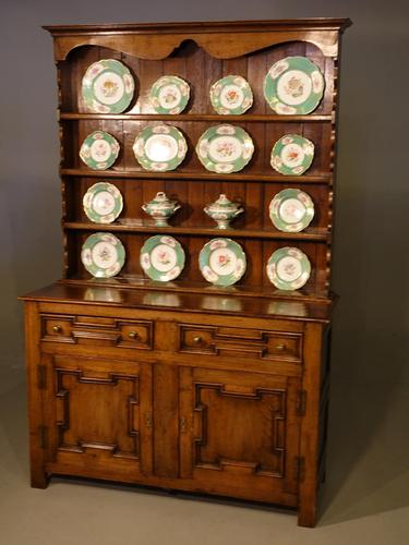 Very Fine Quality Early 20th Century Jacobean Style Dresser & Rack (1 of 3)
