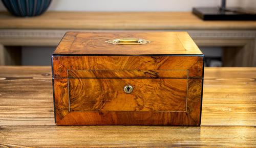 Burr Walnut Work Box Victorian 1870 (1 of 9)