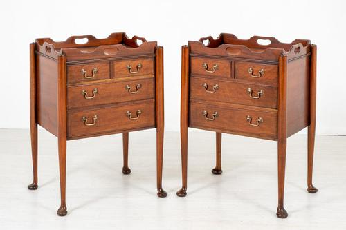 Pair of  Mahogany Queen Anne Style Bedside Cabinets (1 of 12)