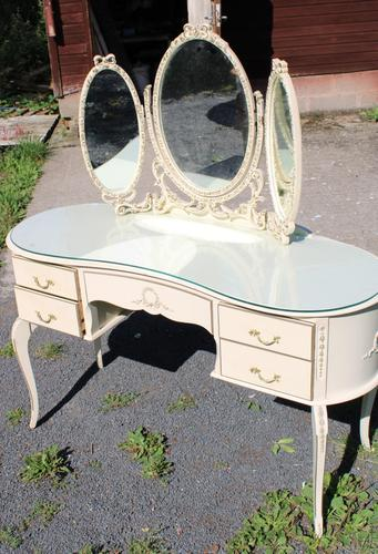 1960s White Dressing Table with Triple Mirror & Glass Top (1 of 4)