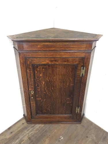Antique Georgian Oak Hanging Corner Cupboard with Brass Knobs (1 of 9)