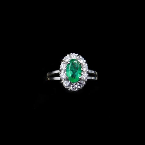 Vintage Emerald and Diamond Platinum Oval Cluster Halo Ring (1 of 9)
