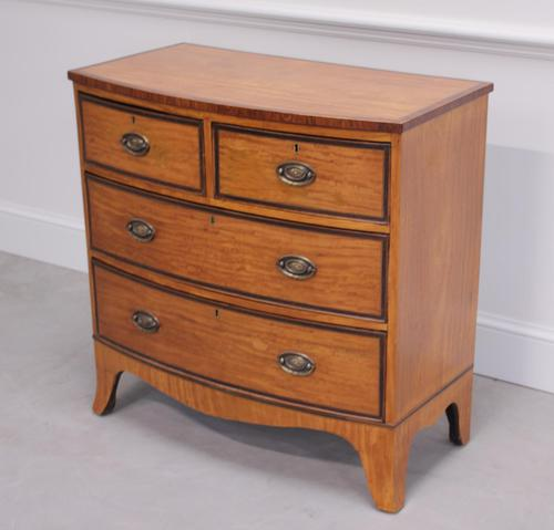 18th Century Satinwood Bow Fronted Chest of Drawers (1 of 12)