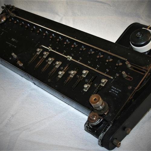 Madas Xie Meda - Early Semi-automatic Calculator c.1922 (1 of 8)