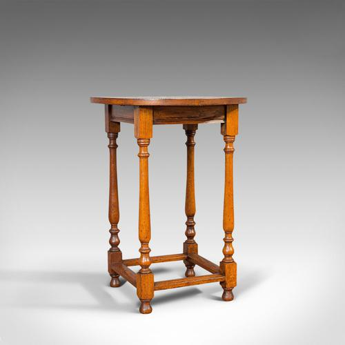 Antique Circular Occasional Table, English, Oak, Side, Lamp, Edwardian, C.1910 (1 of 12)