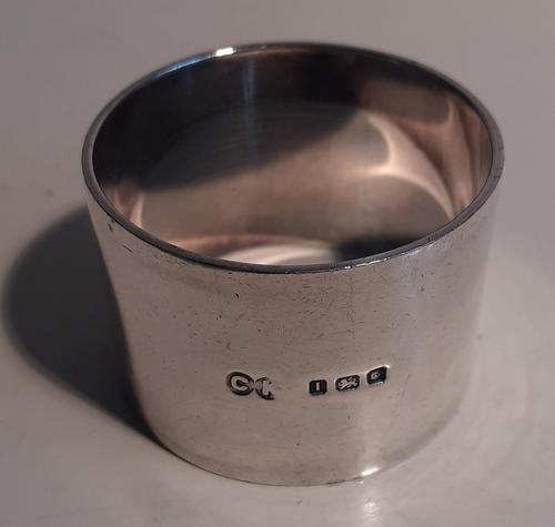 Heavy Silver Napkin Ring, Hallmarked London 1944 (1 of 2)