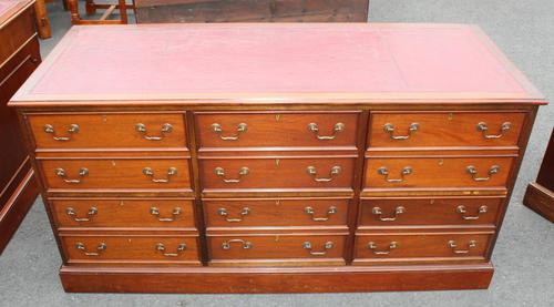 1960's Large Mahogany Triple Chest Drawers with Red Leather on Top (1 of 3)