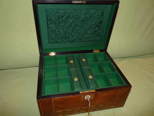 Large Figured Walnut Inlaid Jewellery Box + Tray c.1875 (1 of 12)